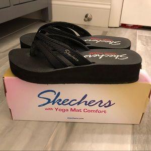 🆕 Skechers Vinyasa Zen Dream Black Size 7